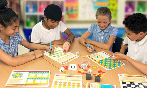 تصویر دو دوره play time in classroom